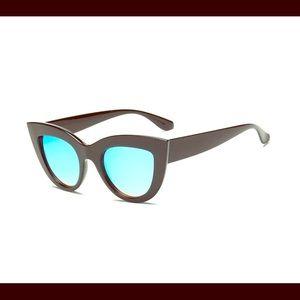 Pereless Cateye sunglasses